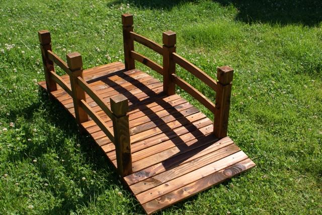 Ponte in legno da giardino per esterni decorazione for Arredi da giardino in legno