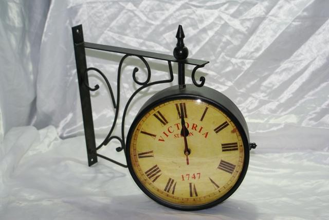 Orologio sveglia da parete antico in metallo per stazione ferroviaria treno m...