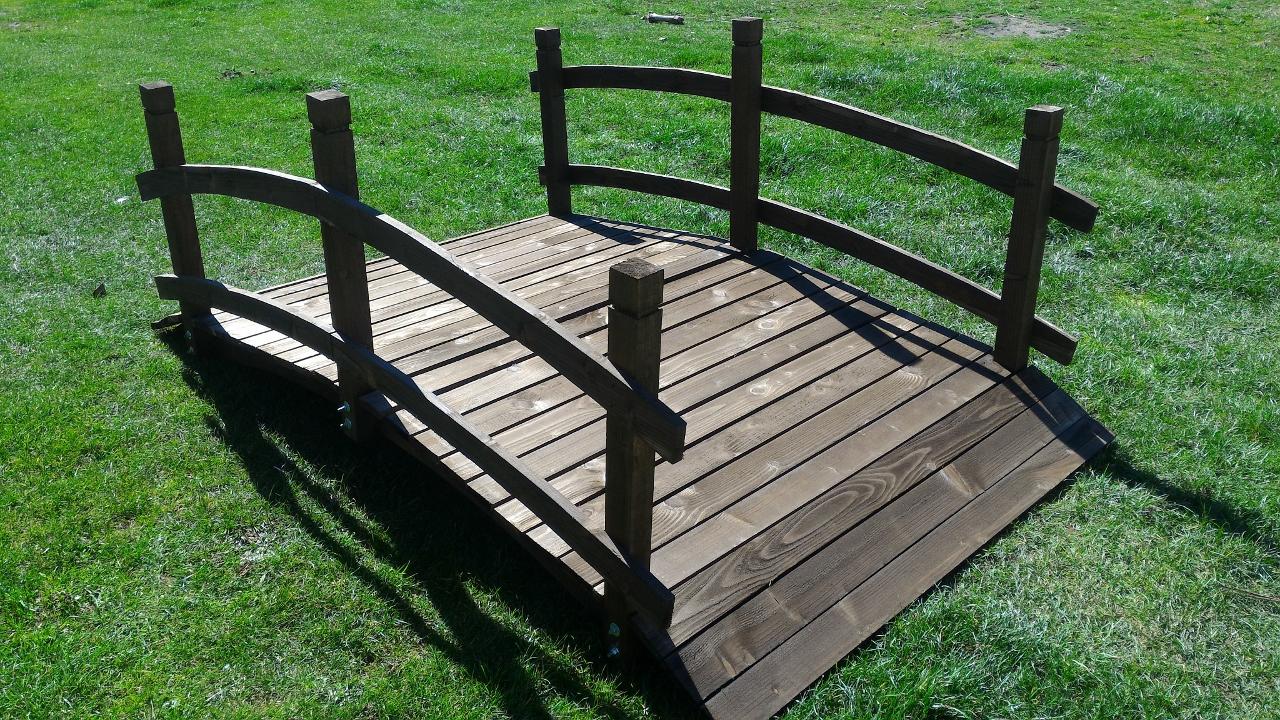 Asintek ponte in legno da giardino arredo esterno for Arredo esterno in legno